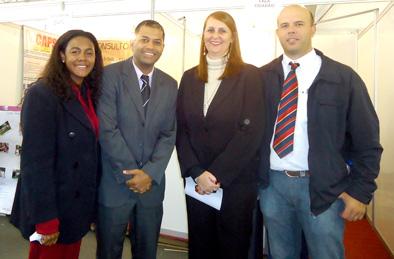 Vereador Armando, com os a enfermeira Denise e o enfermeiro Márcio, acompanhado da sec. saúde, Indianara Franco,