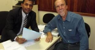 O presidente da Câmara Vereador Armando com deputado Zilmar Rocha